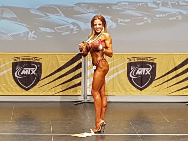 Janet Arias Coto campeona bikini fitness