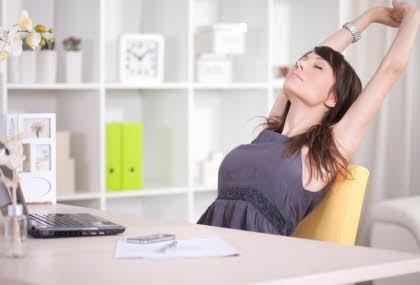 realx-y-ejercicios-mientras-trabajas-frente-a-la-computadora
