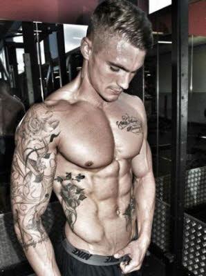 tatuajes-en-cuerpos-fitness